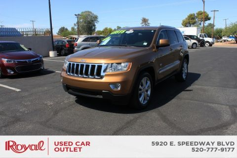 Pre-Owned 2011 Jeep Grand Cherokee LARE